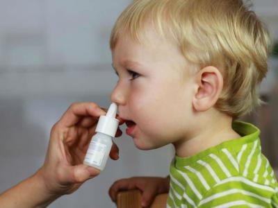 Спрей Аквамарис применяют у детей старше года