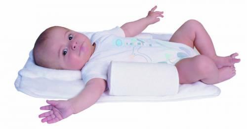 Как правильно класть новорожденного в кроватку