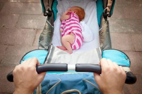 Люлька с новорожденным