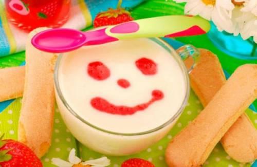 Йогурт с печеньем