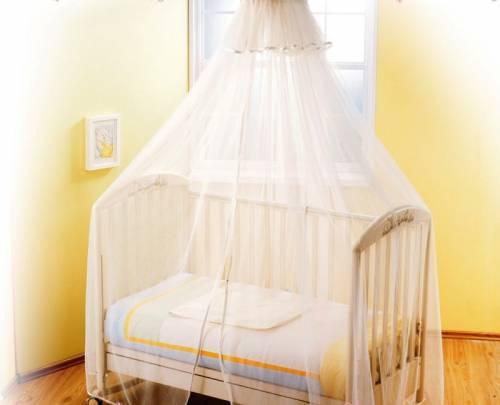 Кроватка для новорожденного с балдахином