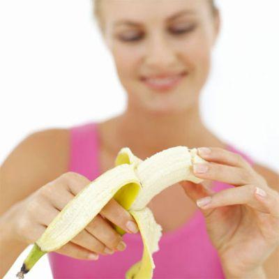 Бананы при грудном вскармливании: можно ли их есть кормящим мамам