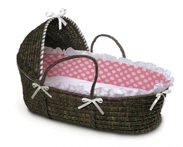 Плетеная переноска для новорожденного