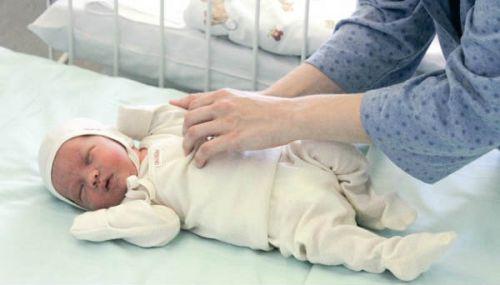 Одевание малыша
