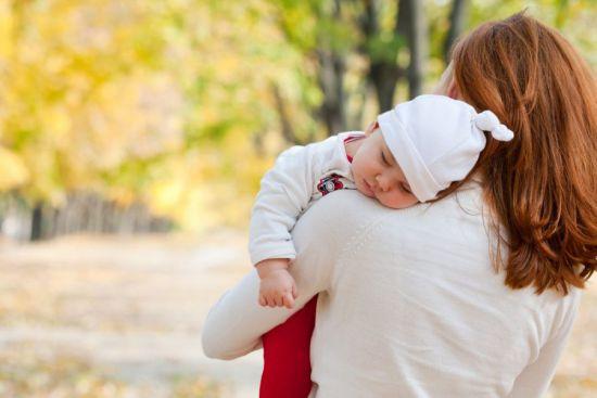 Прогулка с ребенком без коляски