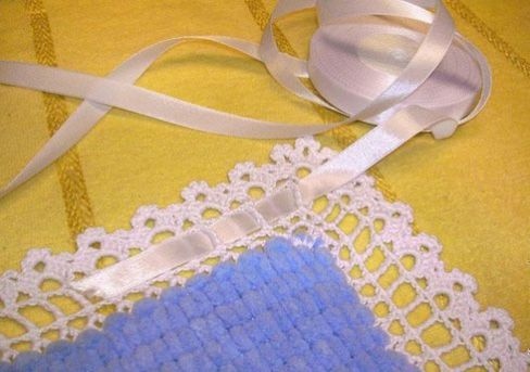 Протягивание атласной ленты