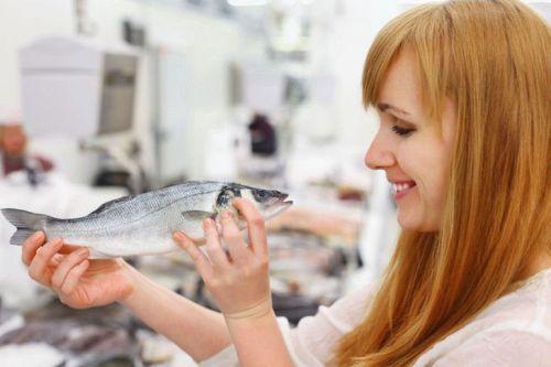 Женщина с рыбой