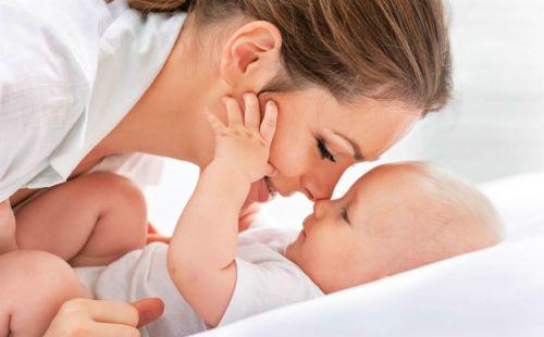 Общение мамы с младенцем