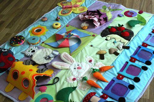 Самодельный развивающий коврик