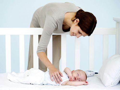 Укладывание малыша спать