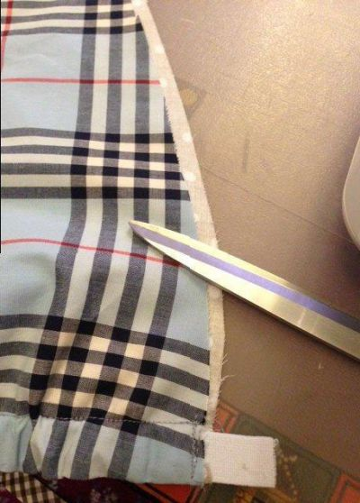 Подготовка срезов кармашков к обработке косой бейкой