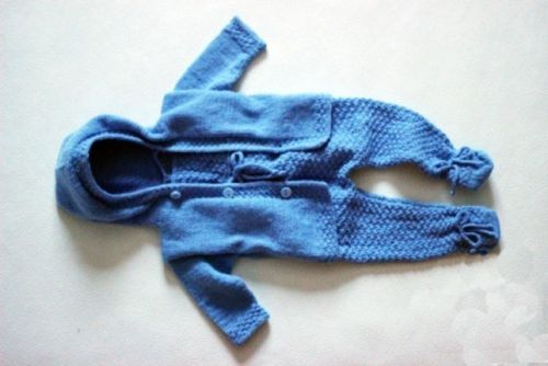 Вязанный костюм для младенца