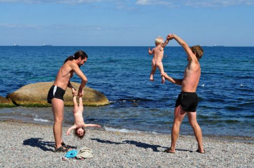 Упражнения с младенцами на свежем воздухе