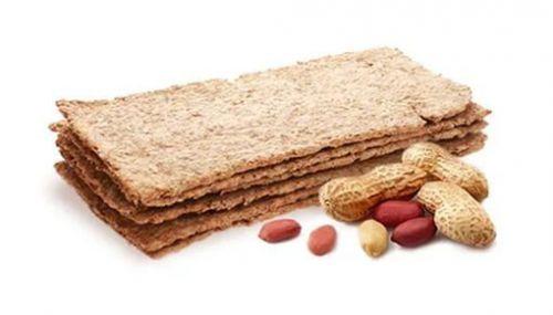 Хлебцы и арахис