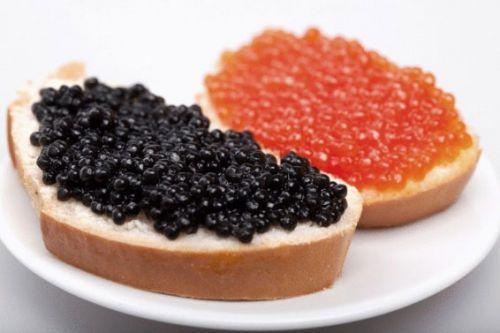 Бутерброды с черной и красной икрой