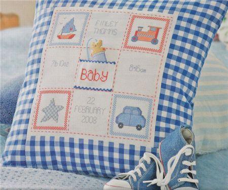 Детская подушка с вышивкой
