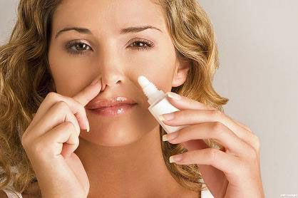 Закапывание лекарства в нос