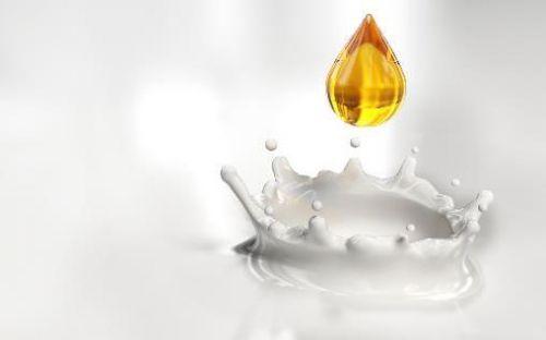 Добавление лекарства в молоко