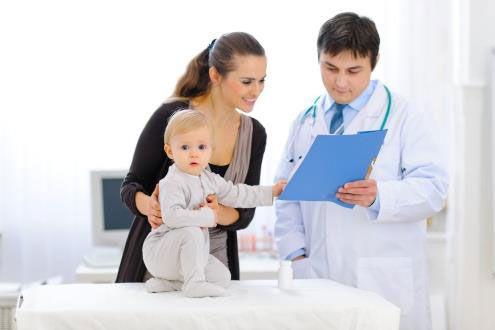 С ребенком на приеме у врача