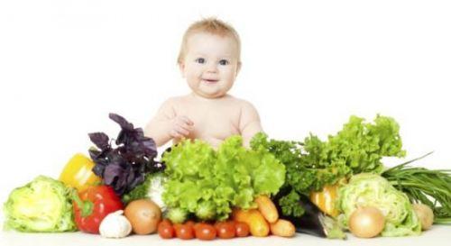 Младенец и овощи
