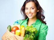Женщина с продуктами