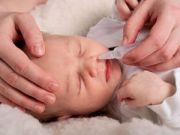 Закапывание носа у грудного ребенка
