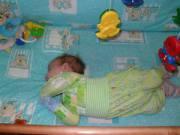 Ребенок спит с запрокинутой  назад головой