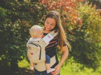 ребенок в эргорюкзаке