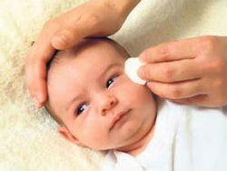 Уход за глазами младенца