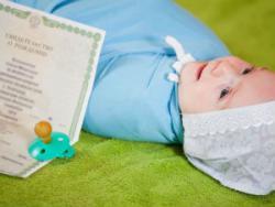 Новорожденный ребенок и свидетельство о рождении