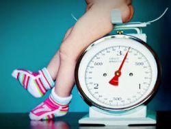 Набор веса у новорожденного