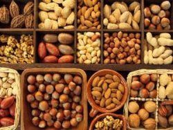 Какие орехи можно при грудном вскармливании кормящей маме