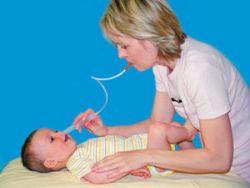 Отсасывание соплей у младенца