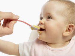 Питание ребенка в 5 месяцев: меню при грудном и искусственном вскармливании
