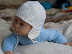 Детская шапочка, связанная крючком