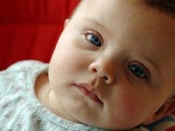 Синие круги под глазами младенца