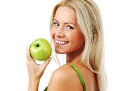Можно ли кормящей маме есть яблоки и яблочный сок при грудном вскармливании
